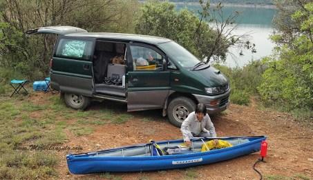 Finestres, montage des kayaks pliables