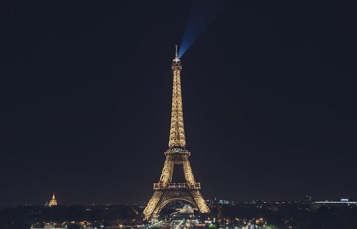 derechos autor iluminacion torre Eiffel