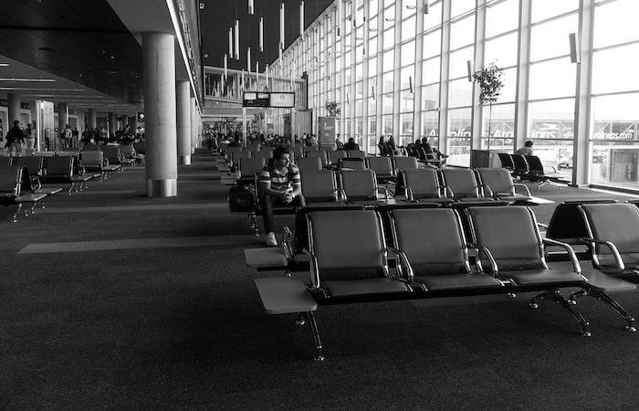esperar en el aeropuerto