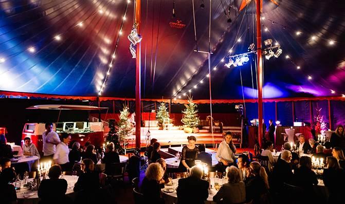 Mignon Event Weihnachtsfeier mit Showbühne Firmenfeier
