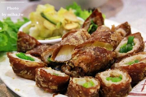 台中》家族聚餐好餐廳隱藏版私房美食:有三間店面人氣滿載的刈菜烏骨雞湯
