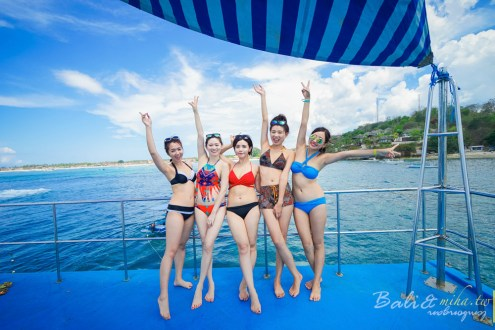 峇里島》藍夢島一日遊行程 水上平台俱樂部一口氣玩到海底漫步 浮潛 飛碟船 香蕉船