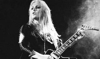 Lita Ford - living like runaway
