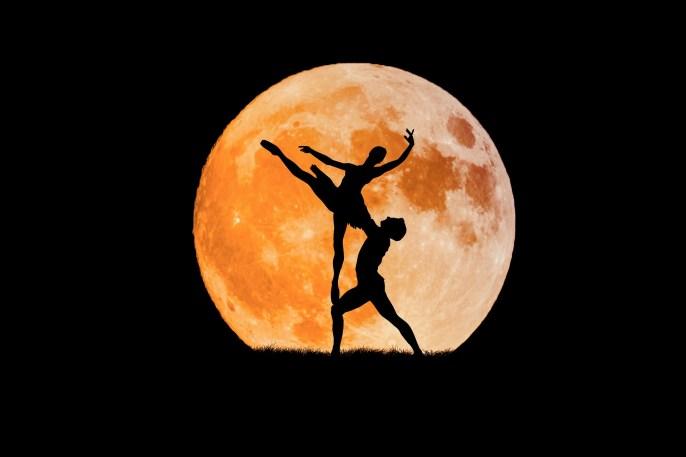 dancing-couple-3156089_1920