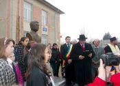 Dezvelirea bustului lui Mihail Sadoveanu la Verșeni, baștina mamei sale, Profira Ursachi