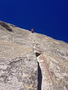 Cum am cusut o fisură în granit. Fața Sudică, Washington Colum, Yosemite National Park