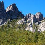 パワフルな岩。シャスタのエネルギースポット。キャッスルクラッグ