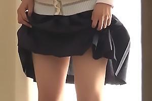伊織涼子 若菜亜衣 黒髪の美少女が母親と芸能事務所の面接で出されたお茶は媚薬入り!娘を別室で撮影後パンツ脱がして手マンに生ハメ
