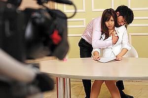 瑠川リナ 清楚な新人女子アナ美女がカメラの前で抱きつかれ愛撫される!打ち合わせで薬を盛られ裸にされ番組スポンサーに犯される