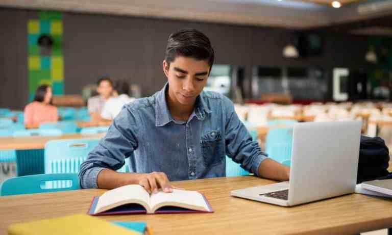 Как просматривать две страницы бок о бок в Microsoft Word