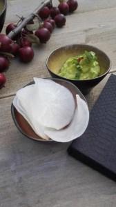 chili avocado dip met ramanas