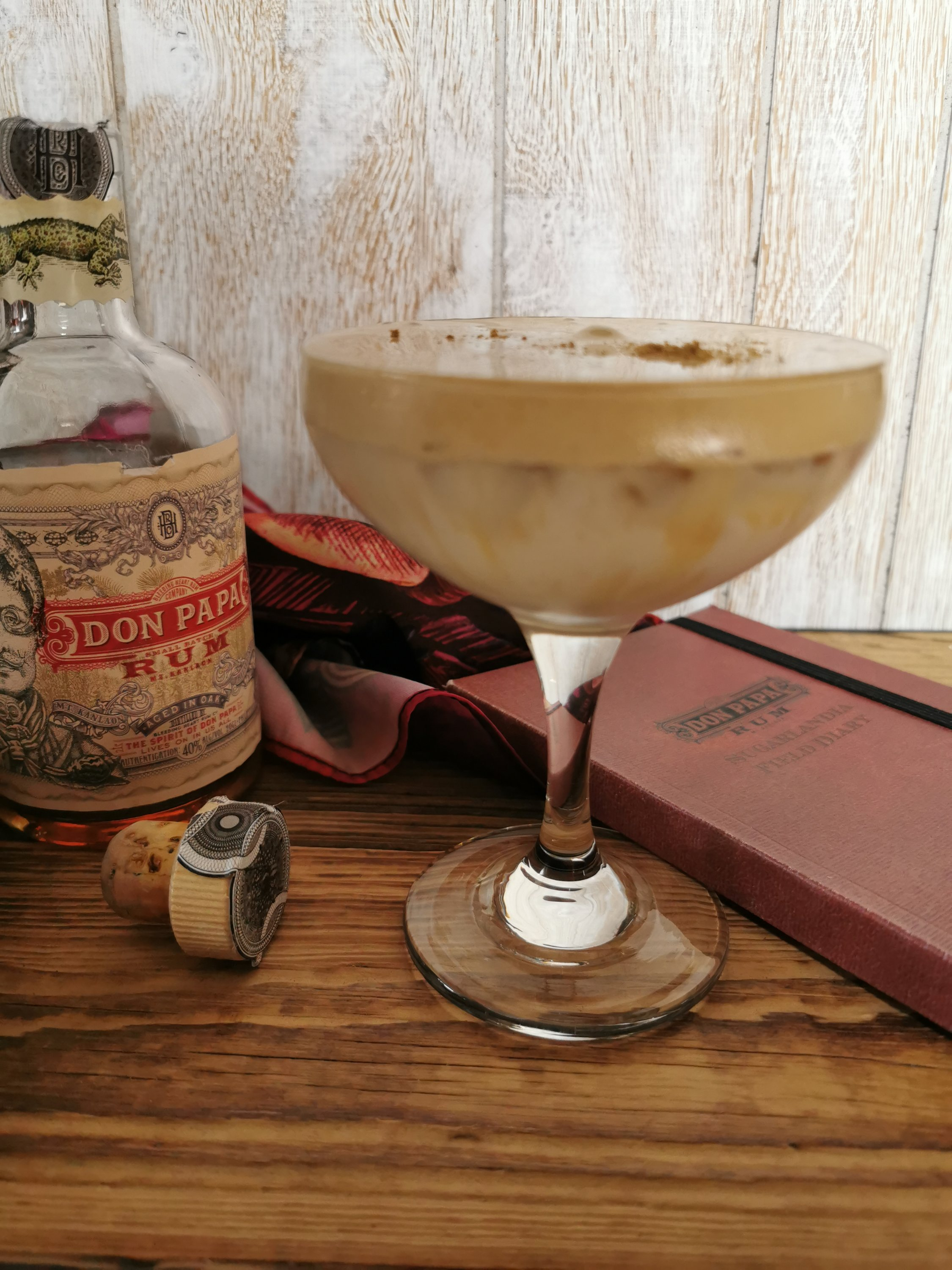 Dalgona coffee met Don Papa rum