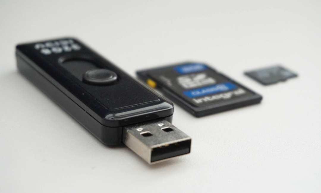 foto's bewaren op USB en SD kaart