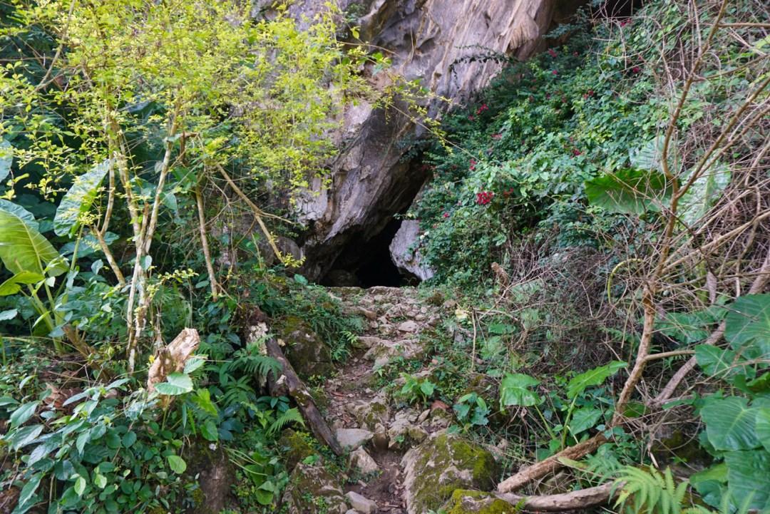 Ingang grot Vang Vieng