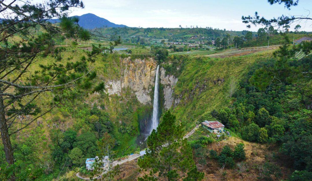 Sopiso-Piso-Waterval-reisroute-noord-Sumatra