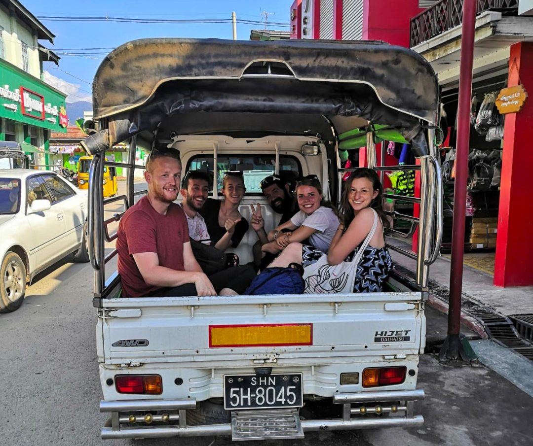 Inle-Pickup-taxi-Myanmar