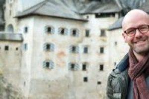 liveliketom, predjama castle slovenia, mijnslovenie