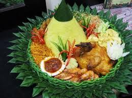 contoh nasi tumpeng mikaila catering