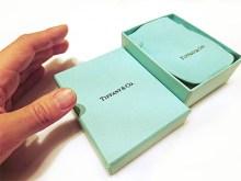 ティファニーの婚約ネックレスの箱