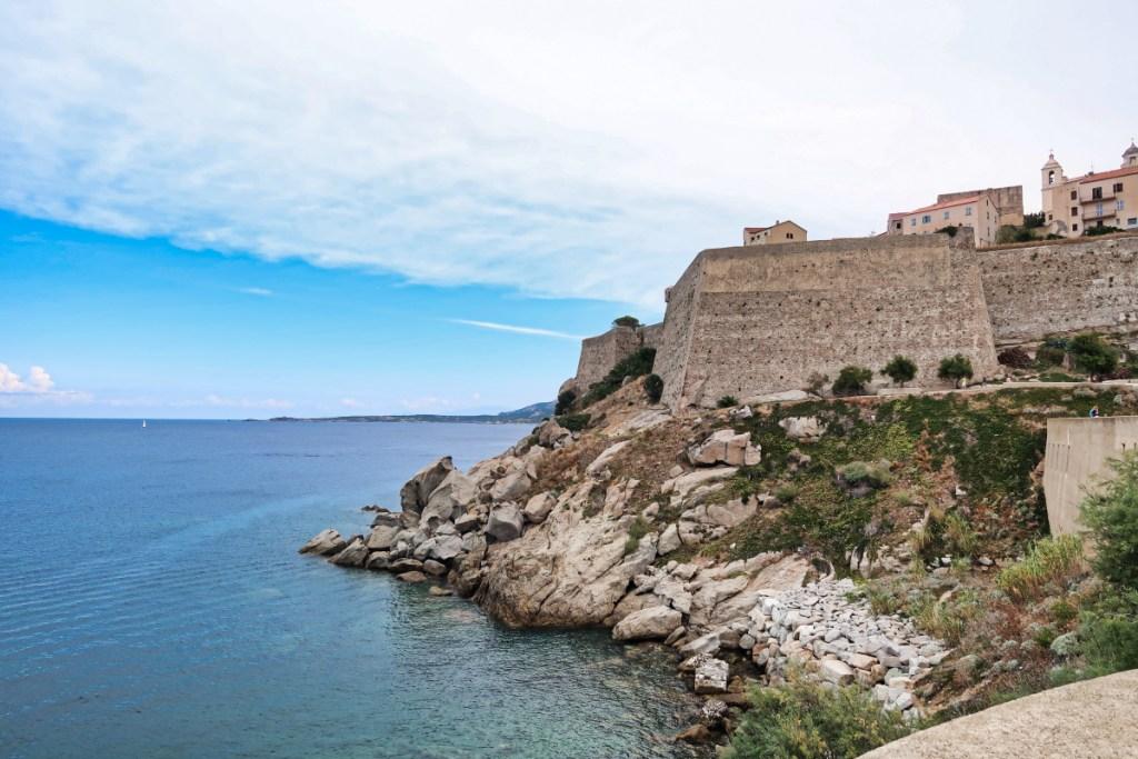 la citadelle et la mer à Calvi