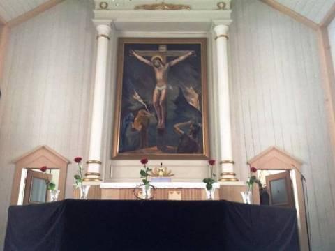 Soinin kirkon alttaritaulu Kristus ristillä