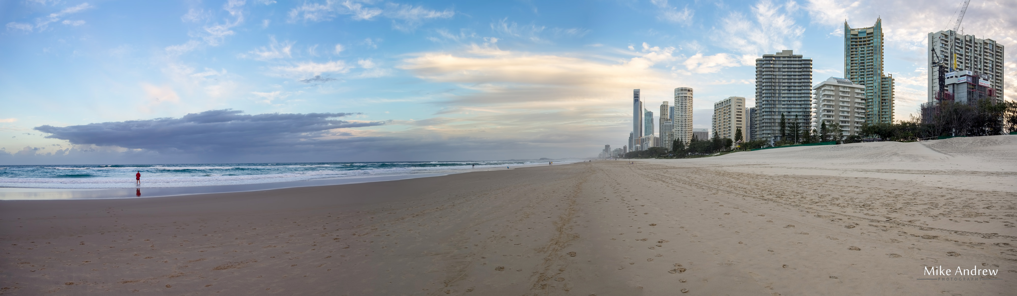 surfers paradise beach panorama