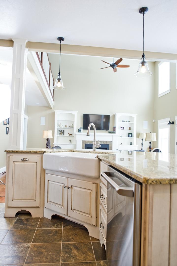 kitchen cabinet crown molding wallpaper for backsplash cabinets » mike beckerink cabinetry