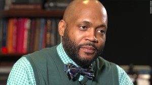 James Davis pastor in Ohio, Another of the coons who would sell the black community back into slavery all for a chance to sit at a table with Donald Trump.