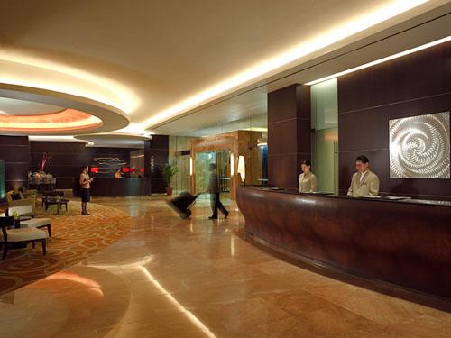 Traders-Hotel-Singapore-Lobby