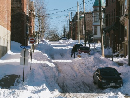 queen-street-shoveling_8329833021_o
