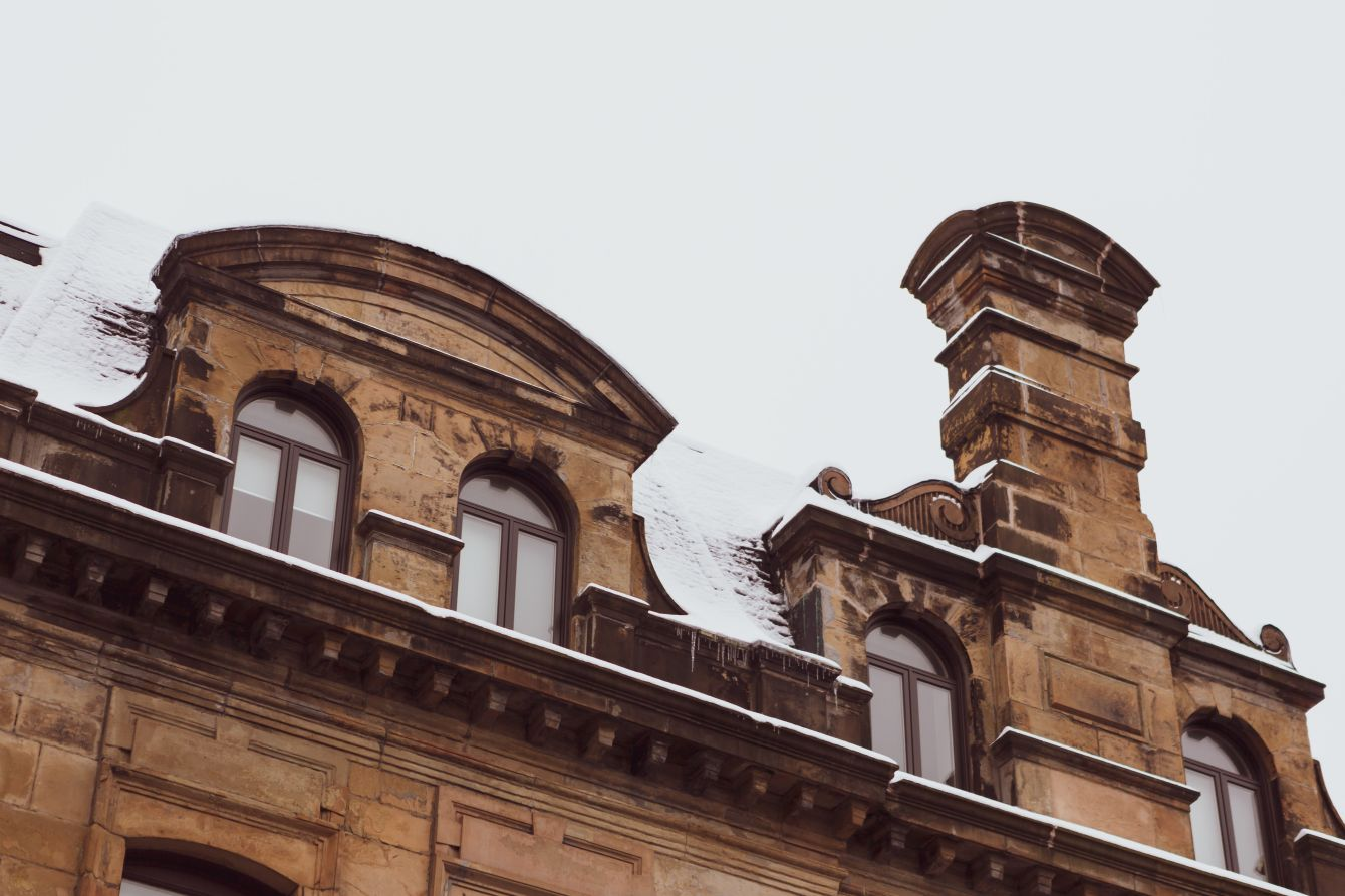 Click thumbnail to see details about photo - Snow Topped Building on Princes and Prince William Street Photograph