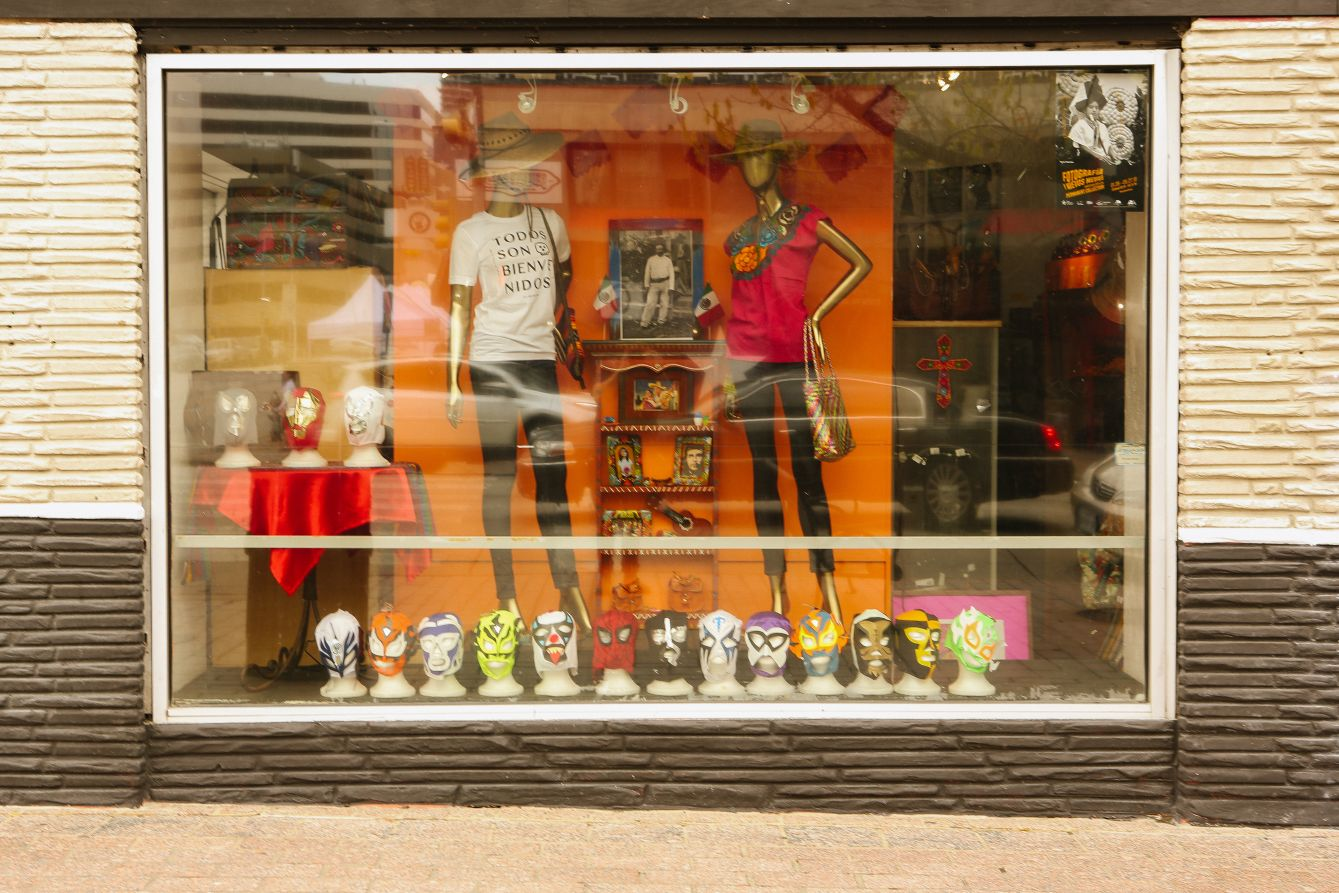 Click thumbnail to see details about photo - Austin Texas Shop Window