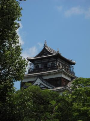 2010_07_23_Hiroshima_Castle.jpg