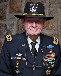 800px-ltgr_hal_moore_at_west_point_10_may_2010
