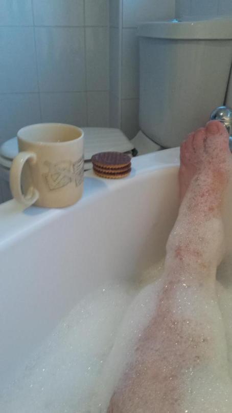 Lazy Chill having a Lobster Bath