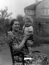 Ellen (probably with William, born 1941)