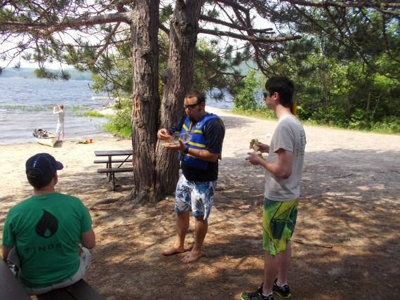 A quick lunch at Grand Lake before setting out