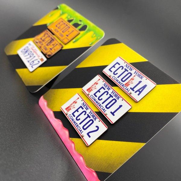 Ecto-1 licence plate mods on 'Slimer' and 'Mood Slime' magnetic display card