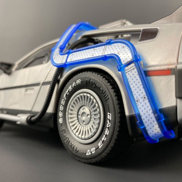 Playmobil DeLorean wheel with Tyre Transfer added