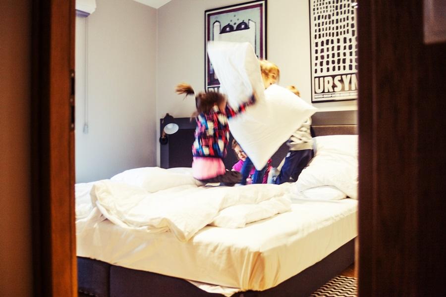 Jest łóżko, są poduszki, jest wypas!