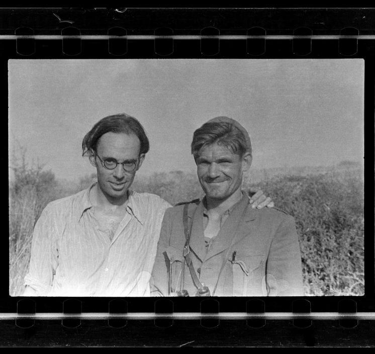 Claud Cockburn (left)
