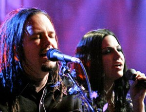 amy-lee-korn-unplugged--large-msg-119333521599