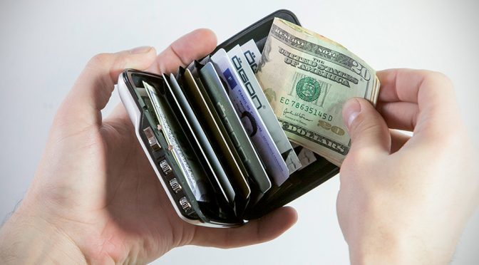 This Metal Wallet Keeps Your Money Safe With 3Digit