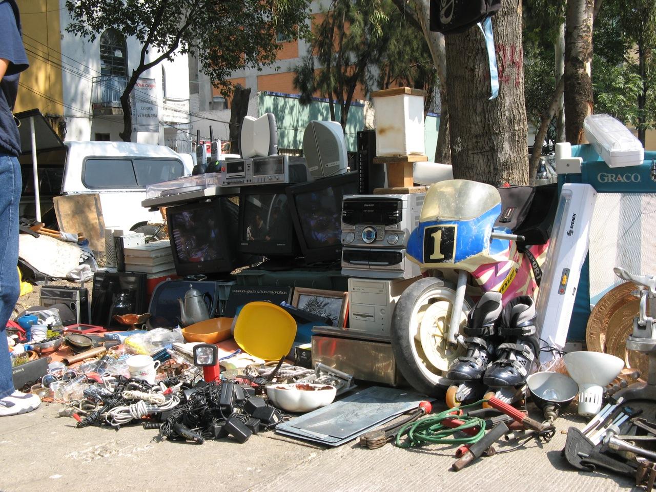 More Junk  Mike's Notes  Nueve Meses En México, Df