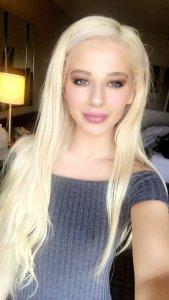 porn star Bella Elise Rose