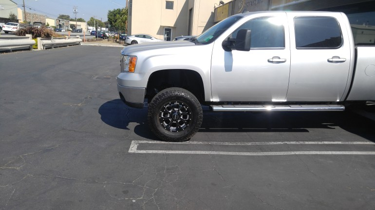 "2010 GMC 2500 6"" Full Throttle Lift Kit, 35X12.50R20 Toyo Open Country AT II, 20X9 Soto Off-Road Novakane"
