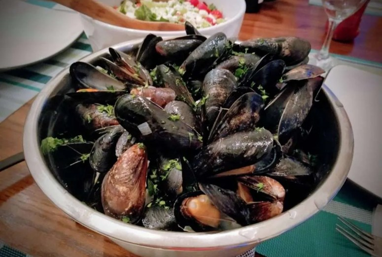 White Wine Miso Mussels