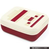 ファミコン本体っぽくてかわいい!「ニンテンドークラシックミニファミコン」再販に向け、新作の収納ケースが発売に!