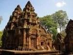 Banteay Srei by Mikix