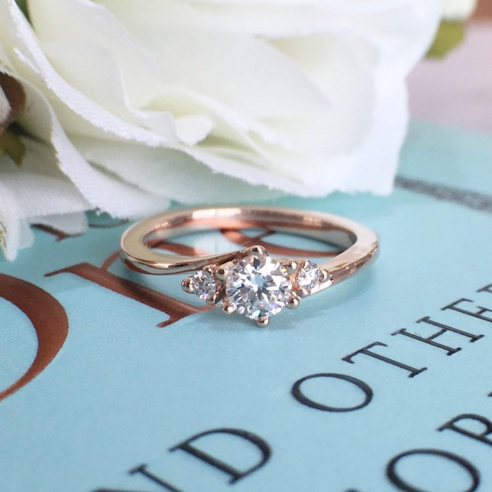 ピンクゴールドの可愛い婚約指輪